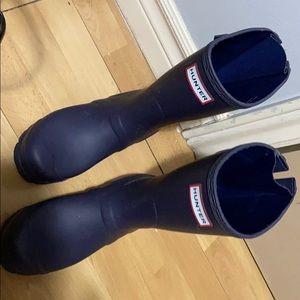 Short purple hunter boots size 6